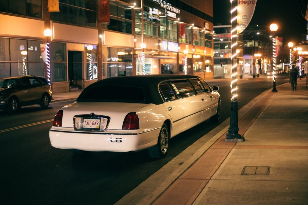 Taking a Limo to the Airport Costs Less than You Think